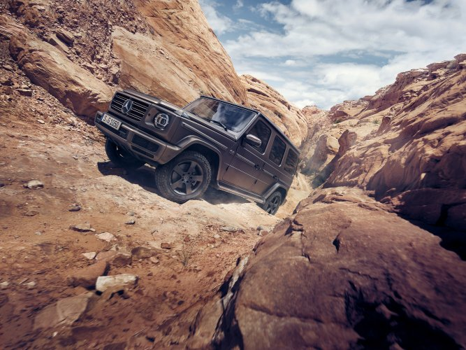 Markus Wendler : Mercedes-Benz G-Class - Automotive photographer Markus Wendler was commissioned by Daimler AG in Berlin to shoot the 2018 Mercedes-Benz G-Class SUV. Over three…