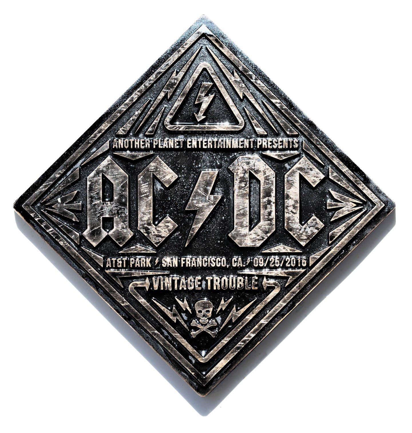 AT_ACDC_01