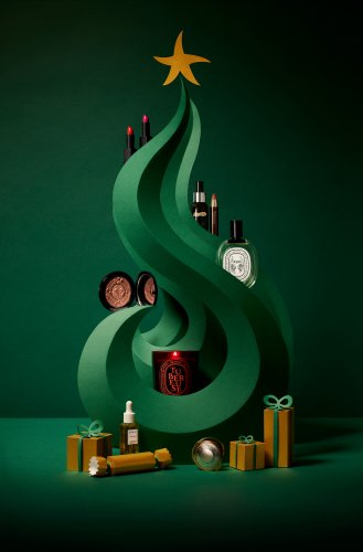 Owen Gildersleeve : Space NK - 'Tis the season already!  Paper cutting artist Owen Gildersleeve collaborated with photographer Jody Todd and art director Boatema Amankwah to…