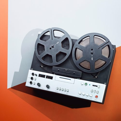 James Day: Dieter Rams - Photographer James Day's newest personal work is a series of beautiful still lives with electronic appliances created by renowned German…